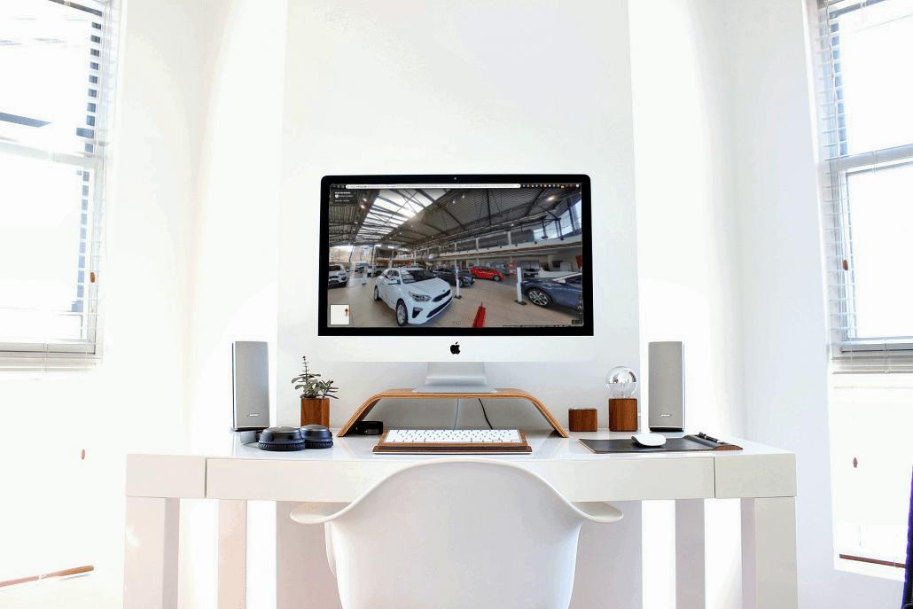 Virtual tour street view business, virtual tour 360, foto 360, mac con immagine di autogrifone modena